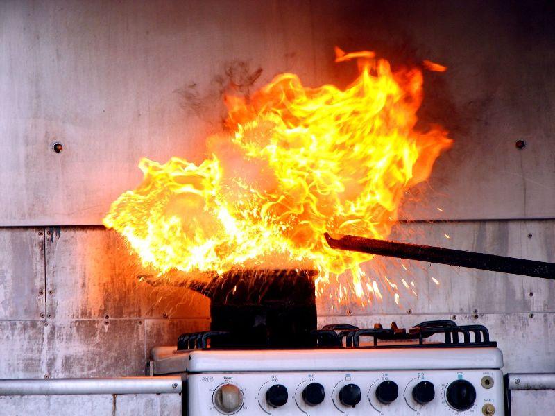 картинки пожара на кухне началом дорожных работ