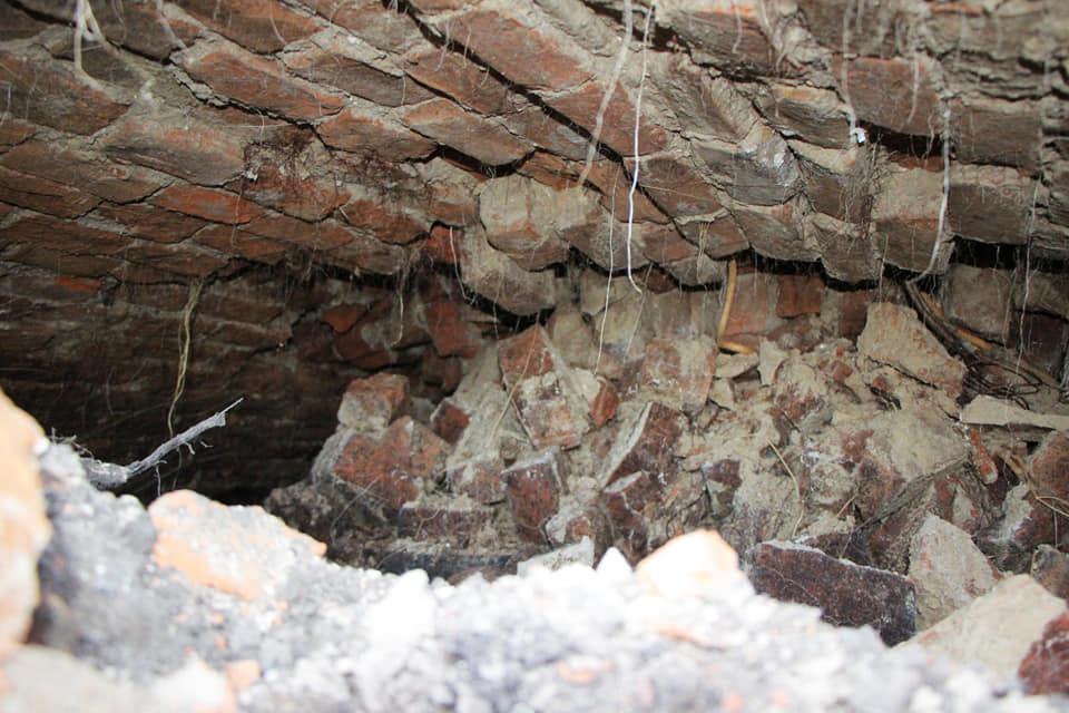 Некоторые помещения разрушены / фото: fb Артем Костюк