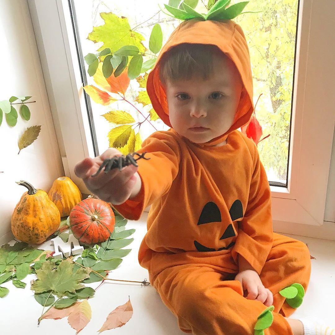 Хэллоуин празднуют даже самые маленькие / фото: wuliaw