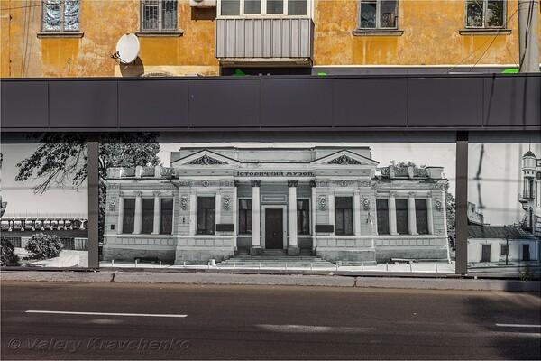 Полюбуйся: на Калиновой патриотично украсили фасады ларьков (фото) фото