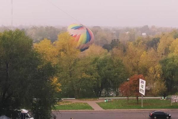 Полюбуйтесь: в Днепре в небе летали воздушные шары (фото, видео) фото