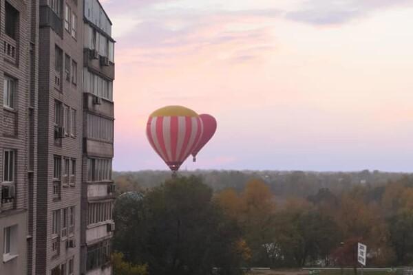 Полюбуйтесь: в Днепре в небе летали воздушные шары (фото, видео) фото 4