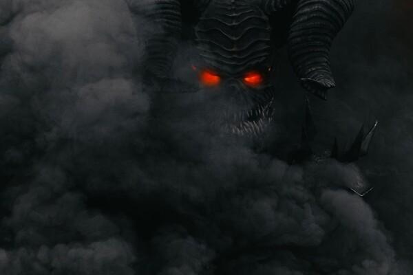Голливуд отдыхает: в Днепре заметили пугающего демона (фото, видео) фото 1