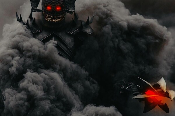 Голливуд отдыхает: в Днепре заметили пугающего демона (фото, видео) фото 2